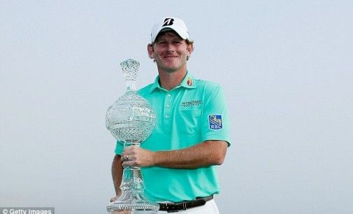 Brandt Snedeker a remporté facilement l'AT&T Pebble Beach National Pro-Am