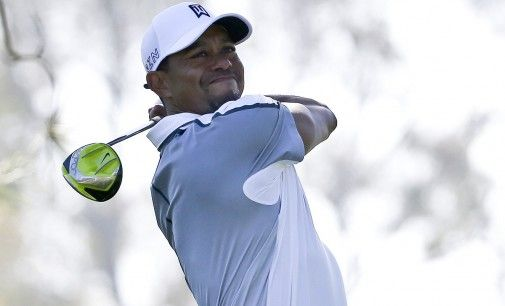 Tiger Woods se retire sur le green du Farmers Insurance Open