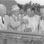 Doug Sanders, qui a battu Arnold Palmer en 1966, Bob Hope, était un personnage de tous les temps de la tournée