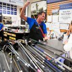 Le site de Naples est occupé alors que la chaîne PGA Tour Superstore survit à ses rivaux de vente au détail