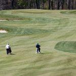 Le golf voit augmenter les débutants et les rapatriés alors que les gens restent actifs tout en gardant la distance