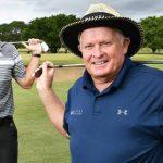 Un senior voit une chance dans une nouvelle tournée de golf