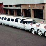 La plus longue voiture du monde, la limousine de rêve américaine, est l'extravagance des années 80 à son meilleur