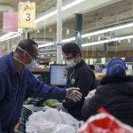 Les masques faciaux sont requis dans les épiceries en vertu de la nouvelle ordonnance de séjour à domicile du Michigan