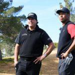 """Tiger Woods, Phil Mickelson rejoint par Brady, Manning pour la deuxième tranche de """"The Match"""""""
