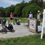 Les golfeurs affluent pour frapper les liens à Peterborough