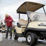 Pendant que les golfeurs se réjouissent, les cours se précipitent pour se préparer