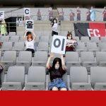18 mai: Séoul s'excuse pour les poupées sexuelles dans le stade