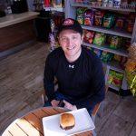 Un pop-up burger acclamé trouve une maison dans le village de Dunwoody - Reporter Newspapers