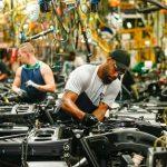 Les travailleurs de l'automobile américains reviennent, alors qu'un vaccin possible est prometteur | Fort Worth Business Press