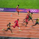 La course incroyable d'Usain Bolt, le nageur le plus lent de l'histoire olympique et la plus grande victoire du football: des records incroyables qui ne seront jamais battus
